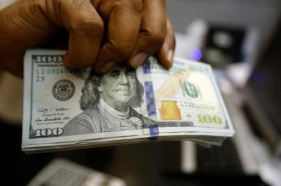 رغم القيود.. استئناف تحويلات بنوك إقليمية بالعملة الصعبة إلى السودان