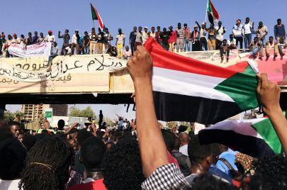 الحركة العمالية في السودان والحقوق المهدرة