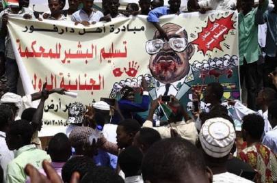 دعوى قضائية تطالب الجنائية بتسليم الحكومة قائمة من 51 متهمًا في ملف دارفور