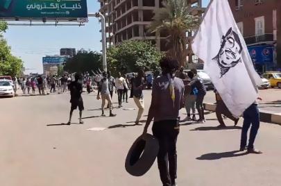 الشرطة تفض بالقوة مواكب ذكرى 6 أبريل بالقرب من القصر الرئاسي