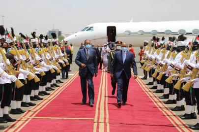 الرئيس الإريتري إسياس أفورقي يصل الخرطوم في زيارة رسمية تستغرق يومين