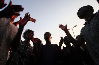 لجان المقاومة بالجريف شرق ترفع اعتصامها نسبة لحدوث
